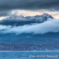 Dusted #OlympicMountains. Repost by the talented George Stenberg Photography #wildsideWA #hoodcanal #explorehoodcanal #salmon #amazing #GeorgeStenberg #olympicrange #choosemountains #mountains #snowcapped #snow #snowdance #instagood #love #cool #travel #nature #photooftheday #art #amazing #colorful #beautiful
