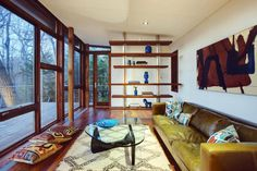 A 300 square feet retreat in Chappaqua, NY. Photos by T. G. Olcott. Designed by Workshop/ADP. (pinned by haw-creek.com)