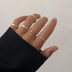 Pearl Cube Gold Ear Jackets - ear jackets / gold ear jacket / ear jacket earrings / modern earrings / statement earrings / gifts for her - Fine Jewelry Ideas Hand Jewelry, Jewelry For Her, Cute Jewelry, Vintage Jewelry, Jewelry Accessories, Jewelry Trends, Gold Bar Earrings, Star Earrings, Ring Necklace