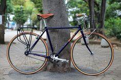 Frame: *SURLY* crosscheck Headset:*CHRIS KING* nothreadset (green) Wheels: *H PLUS SON* the box rim × *PHILWOOD* Tire:*FAIRWEATHER* for traveler tire (rust) Saddle:*BROOKS* b17 standard (honey) Brake:*SHIMANO* Stem:*RITCHEY* classic 4axis stem Front Basket:*WALD* front basket small (silver) Front Rack:*NITTO* Brake lever:*PAUL* love lever Pedal:*MKS* BM-7 Crankset:*FAIRWEATHER* CX crankset (matt silver) Rearruck:*PLANET BIKE* Seatpost:*THOMSON* elite seatpost