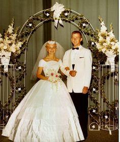 1960 wow! Loving that dress
