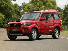The new Mahindra Scorpio is here. And it isn't just a facelift. It has gone through quite a bit of work and it sure looks promising Blur Background In Photoshop, Desktop Background Pictures, Car Backgrounds, Studio Background Images, Picsart Background, Car Photos Hd, Jeep Photos, Bmw M4, Jeep Cars