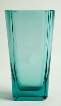 THE FINNISH KARHULA GREEN VASE DESIGNED BY GORAN HONGELL Green Vase, Glass Vase, Teal, Color, Design, Objects, Colour, Turquoise