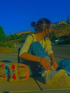 Aesthetic Indie, Aesthetic Girl, Aesthetic Fashion, Aesthetic Clothes, Summer Aesthetic, Estilo Indie, Skater Girl Outfits, Skater Girls, Indie Outfits
