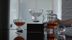 お値段180ドルから。宙に浮く魔法のグラス「Levitating Cup」