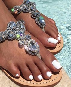 #White #Pedicure