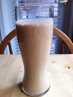 Happy Hormones Carob Super Protein Smoothie. Full recipe here: http://www.youngandraw.com/carob-super-protein-smoothie/ #raw #vegan #hormone #smoothie #recipe #youngandraw