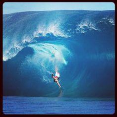 Surf team member Christian Redongo taking a hard wipeout at Teahupoo, Tahiti.  www.pipeline gear.com