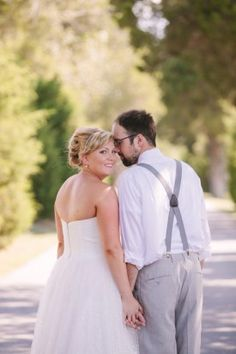Laid back couple at rustic Maryland wedding