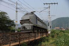 Locomotora legado EF-66-2000 - Electric Locomotive Concept por Masahiro Minami