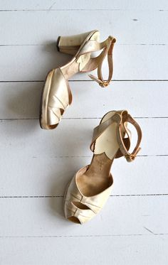Cathedral peeptoes cream satin 1940s shoes 40s by DearGolden