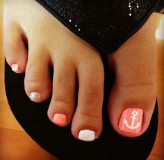 Anchors!! Love the anchor on the big toe!