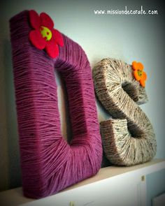 Yarn Letters for Destiny Sierra Cute Crafts, Crafts To Make, Easy Crafts, Arts And Crafts, Yarn Wrapped Letters, Yarn Letters, Craft Projects, Projects To Try, Lace Painting