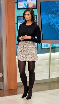 Today we will talk about the best summer work outfit ideas for 2019 year. If you want to find some great work outfit pictures and ideas. Itv Weather Girl, Weather Girl Lucy, Hottest Weather Girls, Black Pantyhose, Nylons, Women Legs, Sexy Women, Sexy Outfits, Sexy Rock