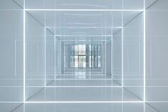 Glass office with mirrored walls for Soho China by AIM Architecture. Cleanroon-come-office-building? Soho, Architecture Journal, Interior Architecture, Installation Architecture, Chinese Architecture, Futuristic Architecture, Blitz Design, Flur Design, Wall Design