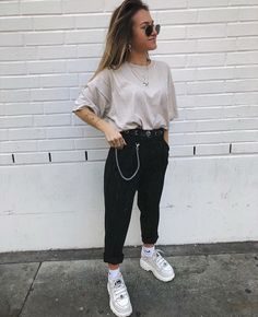 Musa do estilo: Minnahigh - Guita Moda Warm Outfits, Edgy Outfits, Mode Outfits, Cute Casual Outfits, Summer Outfits, Fashion Outfits, Outfits With Black Jeans, Jean Outfits, Winter Outfits