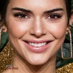 My Homemade Face Scrub - Attempt - Beauty Health Solution Kendall Jenner Video, Kendall Jenner Face, Kendall And Kylie, Kendall Jenner Wallpaper, Kardashian Jenner, Kardashian Kollection, Classy Womens Dresses, Winter Beauty Tips, Beautiful Girl Image