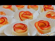 Apple Roses Apfel Cupcakes als Rosen Baked Apple Roses, Apple Rose Tart, Apple Tarts, Apple Pies, Köstliche Desserts, Delicious Desserts, Dessert Recipes, Yummy Food, Yummy Treats