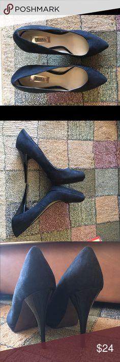 faux suede pointy toe platform pumps faux suede pointy toe platform pumps...gently worn, great condition Zara Shoes Platforms