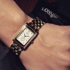 Gold and diamonds for a luxurious DolceVita Longines for woman.  Find it on www.cicala.it  #orologi #watch #womensfashion #watches #womenswear #womenstyle #instawatch #timepiece #watchporn #watchoftheday #lovewatches #watchcommunity #luxurylife #watchaddict #watchmania #women #fashion #jewelry #istagirl #glamour #instaglam  #luxurywhatch #instafashion