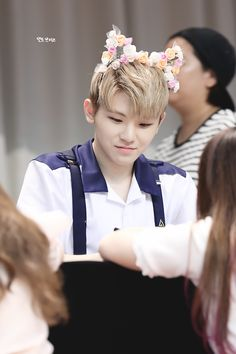 Floral cat head band haur band flowers cat ears. |  Seventeen Woozi