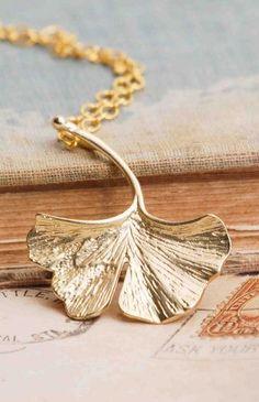 Ginkgo LEAF Necklace Gold