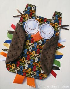 Owl Taggie Blanket - @Kristy Scott, you need to make this little guy!