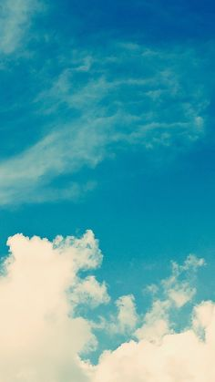 White Vintage Clouds Blu Sky iPhone 6 Plus HD Wallpaper.jpg 1,080×1,920 pixels