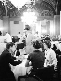 Dinner with the Kennedys ♡❤❤❤♡❤♡❤❤❤♡  http://en.wikipedia.org/wiki/Jacqueline_Kennedy_Onassis  http://en.wikipedia.org/wiki/John_F._Kennedy  http://en.wikipedia.org/wiki/Kennedy_family