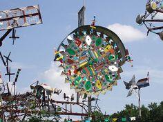 """Vollis Simpson"" Very funky! Wind Sculptures, Jesus Art, Kinetic Art, Wind Spinners, High Art, Environmental Art, Outsider Art, Beautiful Artwork, Art Forms"