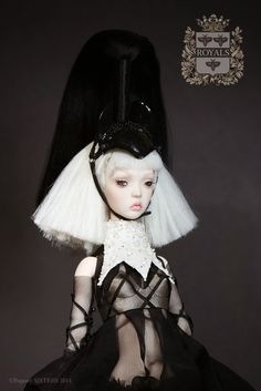 The Fashion Doll Chronicles: The Popovy Sisters present their new collection: ROYALS