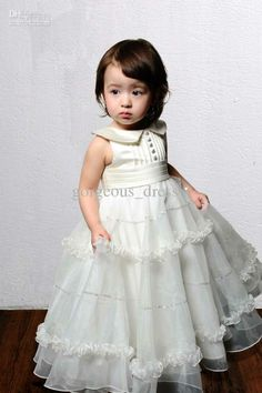 e0aff7be364 Ball gown sleeveless lace dress for flower girl