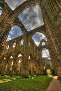 photo+Tintern+Abbey,+Monmouthshire,+Wales+wallpaper