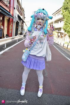 KAHO Harajuku, Tokyo Decora AUTUMN 2013,  Kjeld Duits STUDENT, 16  Trainer Blouse – ManiaQ Top & Skirt – BODYLINE Shoes – N/A