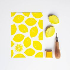I believe in the power of simplicity! This is one of the first patterns i made with hand carved stamps 6 years ago. Simple lemon shapes carved out of erasers. Although i have learned to carve very fine. i still prefer the bold and simple shapes . Cute Canvas Paintings, Small Canvas Art, Diy Canvas Art, Lemon Painting, Diy Painting, Stamp Carving, Fabric Stamping, Handmade Stamps, Linocut Prints