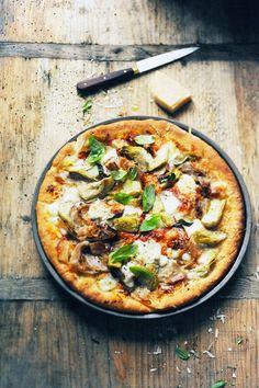 Mais pourquoi est-ce que je vous raconte ça... Dorian cuisine.com: L'aventure pizza le retour ! Et si c'était la pâte que je n'aimais pas... Deep pan pizza à tutti quanti !