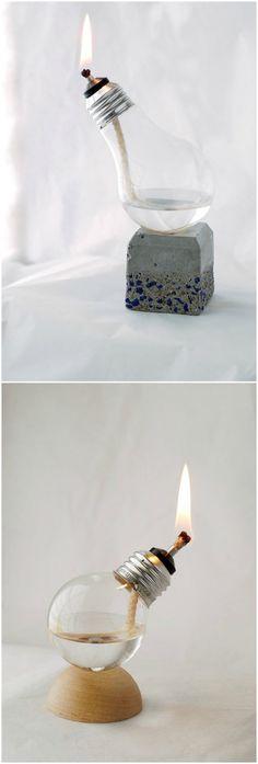 Bombillas recicladas. Visto en www.ecodecomobiliario.com