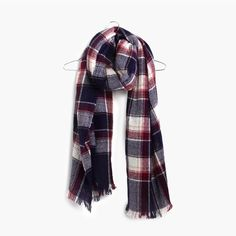 hint, hint – this Madewell rangeplaid scarf is on my wishlist (+ winning a trip for two to Paris from Madewell). more info here: http://mwell.co/giftwellsweeps #giftwell #sweeps
