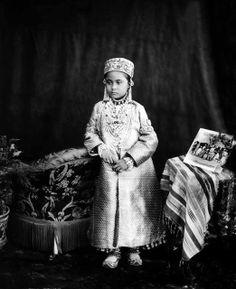La Governatrice del Regno di Hyderabad, Un Nisa Begum, India, 1890 - Grognards Vintage India, Vintage Photographs, Vintage Photos, Hyderabad State, Royal Indian, States Of India, Mughal Empire, Blue Bloods, Old Photos