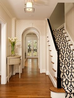 Traditional Staircase Design, Pictures, Remodel, Decor and Ideas - page 27 Design Entrée, House Design, Design Ideas, Door Design, Design Blogs, Pattern Design, Style At Home, Black And White Stairs, Black Railing