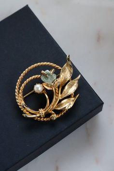 Vintage Gold Bouquet Brooch - Gold Leaves Brooch