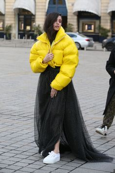 Carson - March 2019 - Outside in Paris, France doing a photoshoot during Paris Fashion Week Disney Descendants, Celebs, Celebrities, My Wardrobe, American Actress, Winter Jackets, Photoshoot, Actresses, Paris France