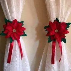 Here are easy Christmas decoration ideas which are within your budget. These dollar store Christmas decor ideas are cheap DIY Frugual Decorations for Xmas. Dollar Store Christmas, Felt Christmas, Rustic Christmas, Simple Christmas, Christmas Holidays, Christmas Wreaths, Christmas Ornaments, Diy Christmas Decorations Easy, Christmas Centerpieces