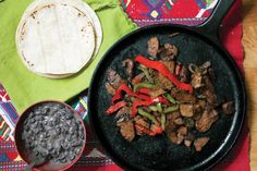 Open up with these Chipotle Seitan Fajitas with Coconut Black Beans! Vegan Mexican Recipes, Vegetarian Recipes, Healthy Recipes, Vegetarian Cooking, Seitan Recipes, Veggie Recipes, Whole Food Recipes, Healthy Cooking, Cooking 101