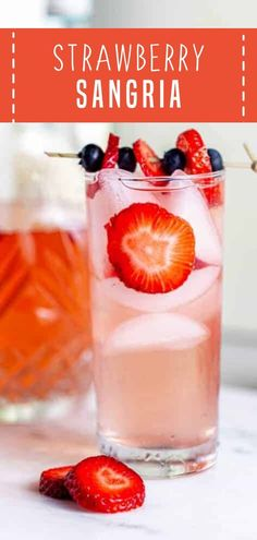 Celebrate patriotic holidays with Strawberry Sangria! Whip up this easy sangria with just a few simple ingredients and 10 minutes of prep time. Serve chilled or over ice for the perfect refreshing drink you can enjoy on Memorial Day! Pin this for later! Frozen Drink Recipes, Sangria Recipes, Beer Recipes, Cocktail Recipes, Smoothie Recipes, Recipes Dinner, Fish Recipes, Smoothies, Breakfast Recipes
