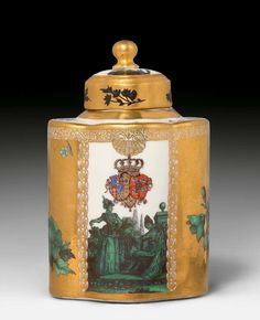 Important Meissen Armorial Tea Caddy from the Toiletry Service for Queen Maria Amalia of Naples and Sicily, Princess of Saxony, circa 1745-46