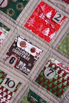 Christmas Advent Calendar Quilt - Free Pattern Download from http://bubblesbeforebathtime.wordpress.com/