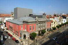 Theatre, Braga (Portugal)  by C. M. de Braga - Sérgio Borges  #CulturalBuilding #Portugal #Braga #zinc #architecture #design #vmzinc #roofing #theatre