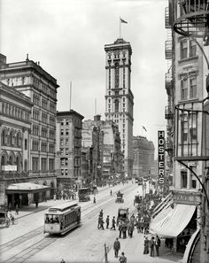 "New York circa 1905. ""Broadway and Times Building (1 Times Square)."" 8x10 inch dry plate glass negative, Detroit Publishing Company."