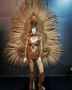 Mardi Gras Costumes, Masquerade Costumes, Carnival Outfits, Carnival Costumes, Kadayawan Festival, Modern Filipiniana Dress, Arte Plumaria, Samba Costume, Pride Outfit